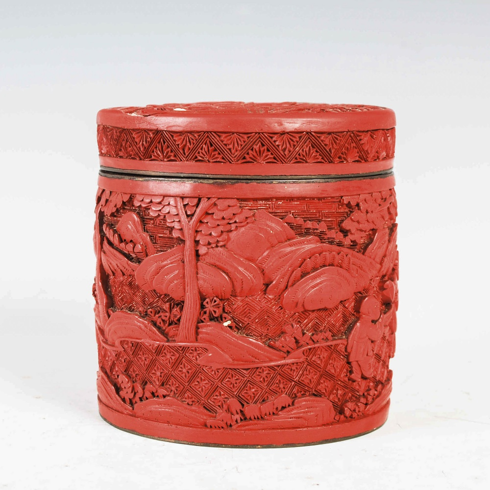 A Chinese cinnabar lacquer cylindrical box and cover, Qing Dynasty, the circular detachable cover - Image 2 of 7