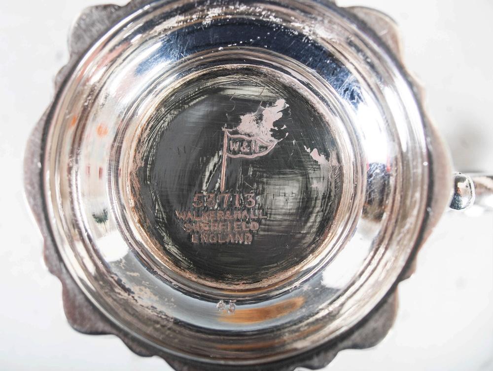 An Edwardian silver gilt Christening mug, Sheffield, 1902, makers mark of Walker & Hall, embossed - Image 7 of 7