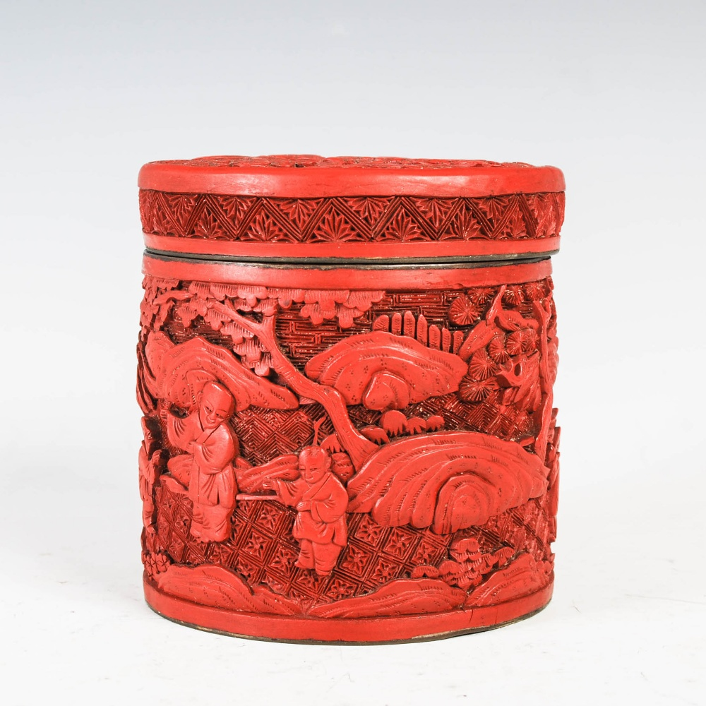 A Chinese cinnabar lacquer cylindrical box and cover, Qing Dynasty, the circular detachable cover - Image 3 of 7