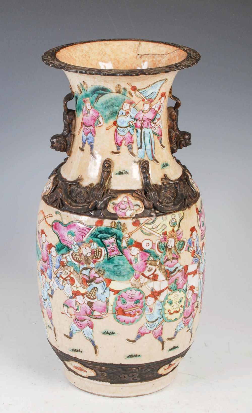 A Chinese porcelain crackle glazed famille rose vase, Qing Dynasty, decorated with warriors, incised - Image 2 of 6
