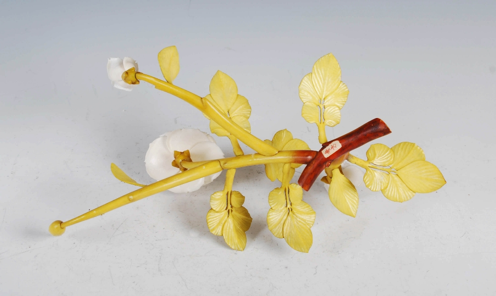 A Chinese ivory and stained ivory rose branch, late 19th/ early 20th century, naturalistic carving - Image 3 of 4