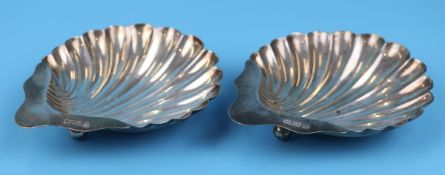 Pair of hallmarked silver shell bon bon dishes - Circa 1933 makers mark JDWD - Total approx weight
