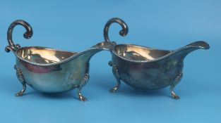 Pair of hallmarked silver gravy boats circa 1970 markers mark AEJ - Total approx weight 355g
