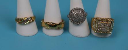 4 costume jewellery rings