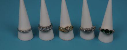 5 costume jewellery rings