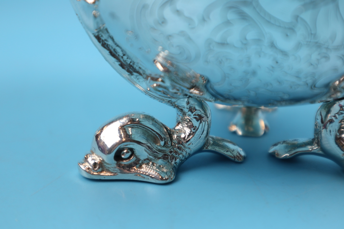 Hallmarked silver bowl on dolphin feet - Berthold Muller, Chester 1904 - Approx weight: 261g - Image 3 of 11
