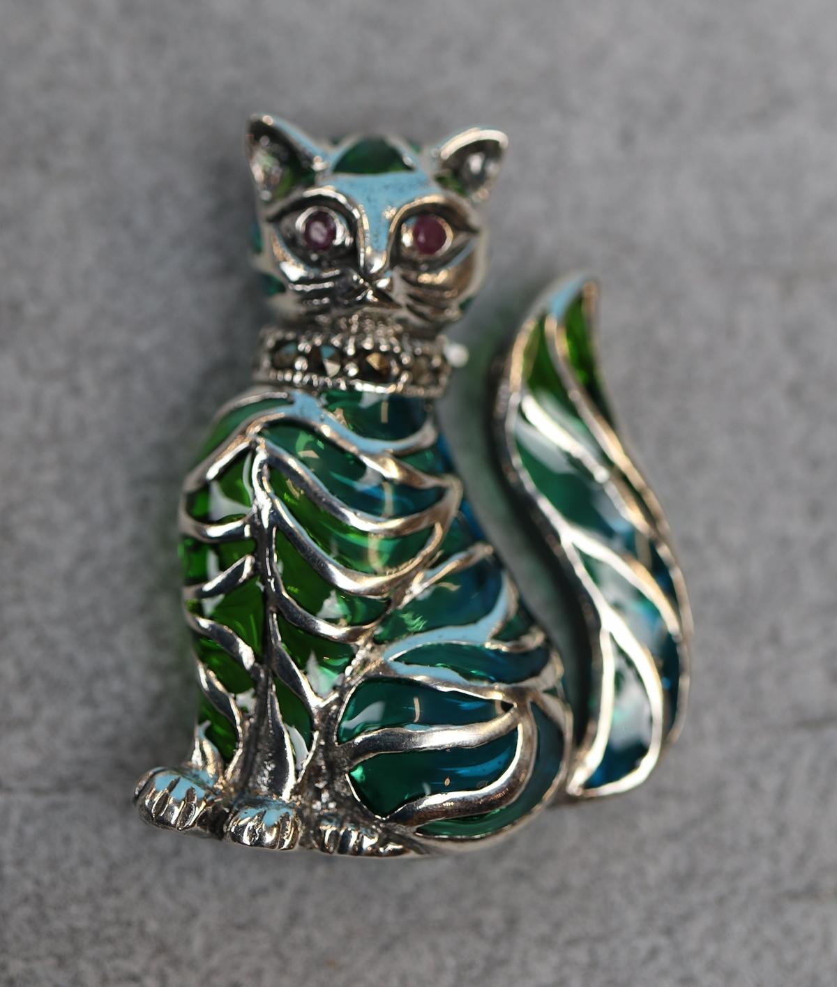 Silver & enamel cat brooch