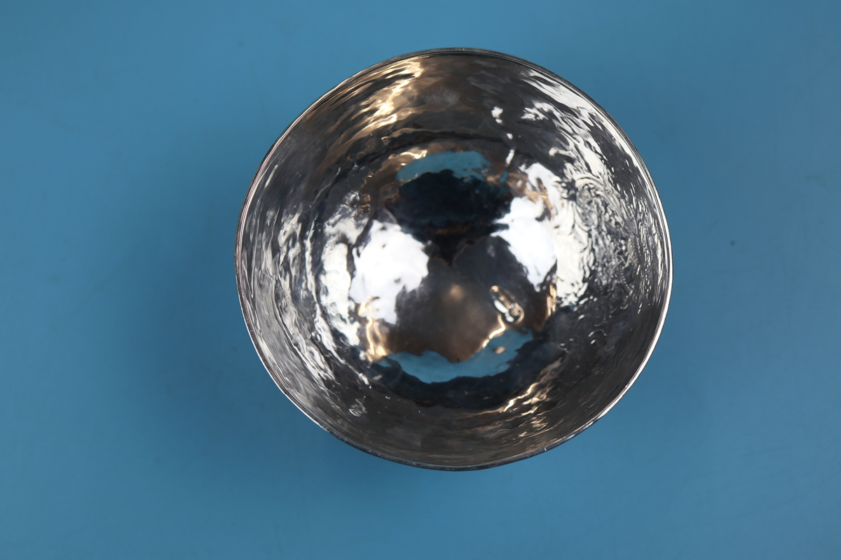 Hallmarked silver bowl on dolphin feet - Berthold Muller, Chester 1904 - Approx weight: 261g - Image 8 of 11
