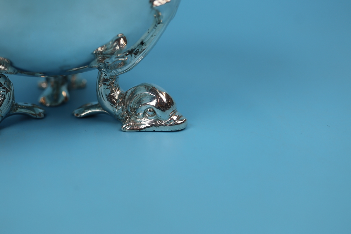 Hallmarked silver bowl on dolphin feet - Berthold Muller, Chester 1904 - Approx weight: 261g - Image 10 of 11