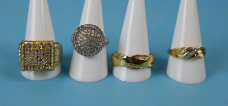 4 costume rings