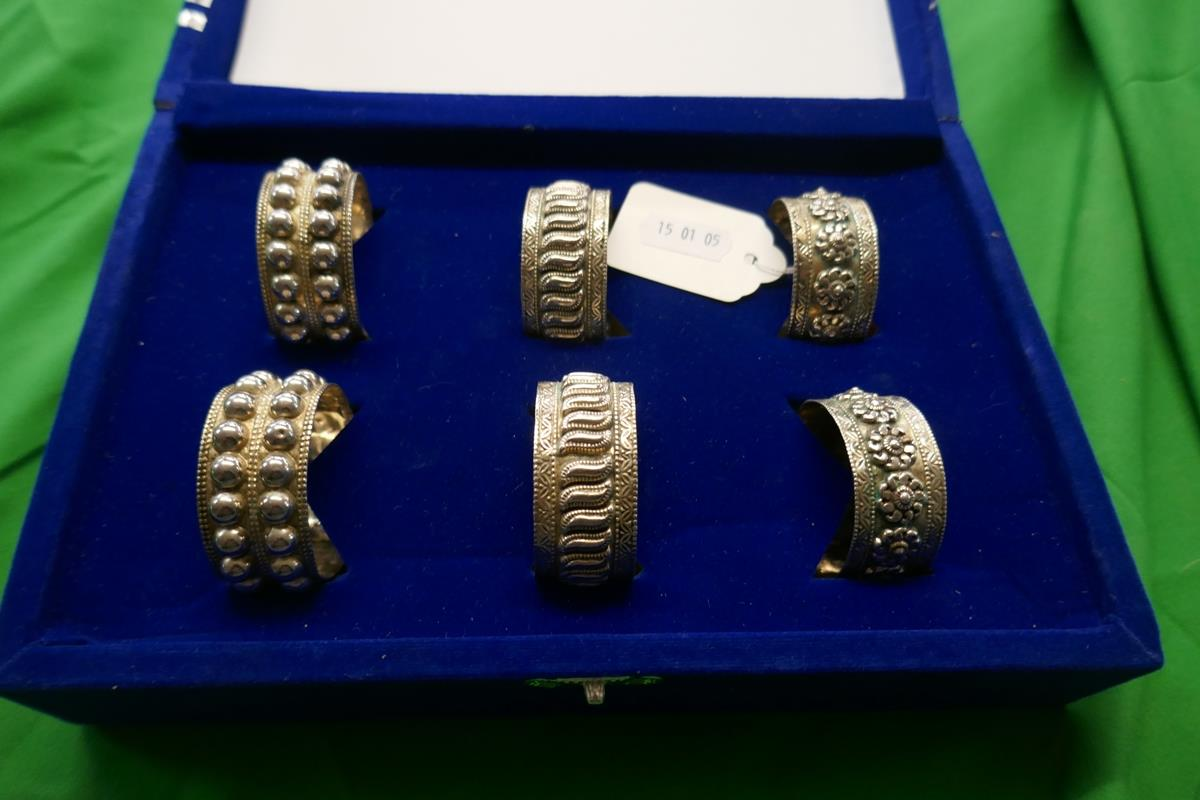 Cased set of 6 silver napkin rings - Image 3 of 7