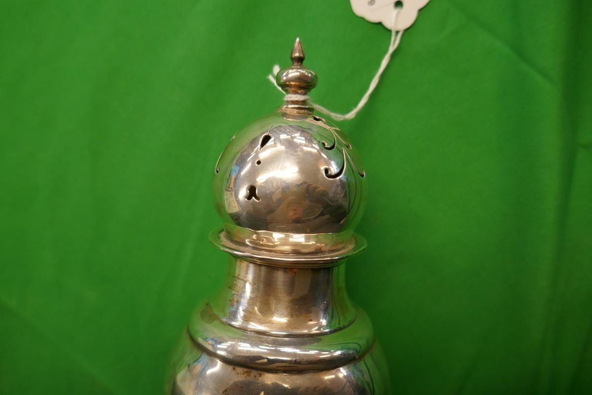 Hallmarked silver powder shaker - Approx H: 21cm & weight: 184g - Image 3 of 3