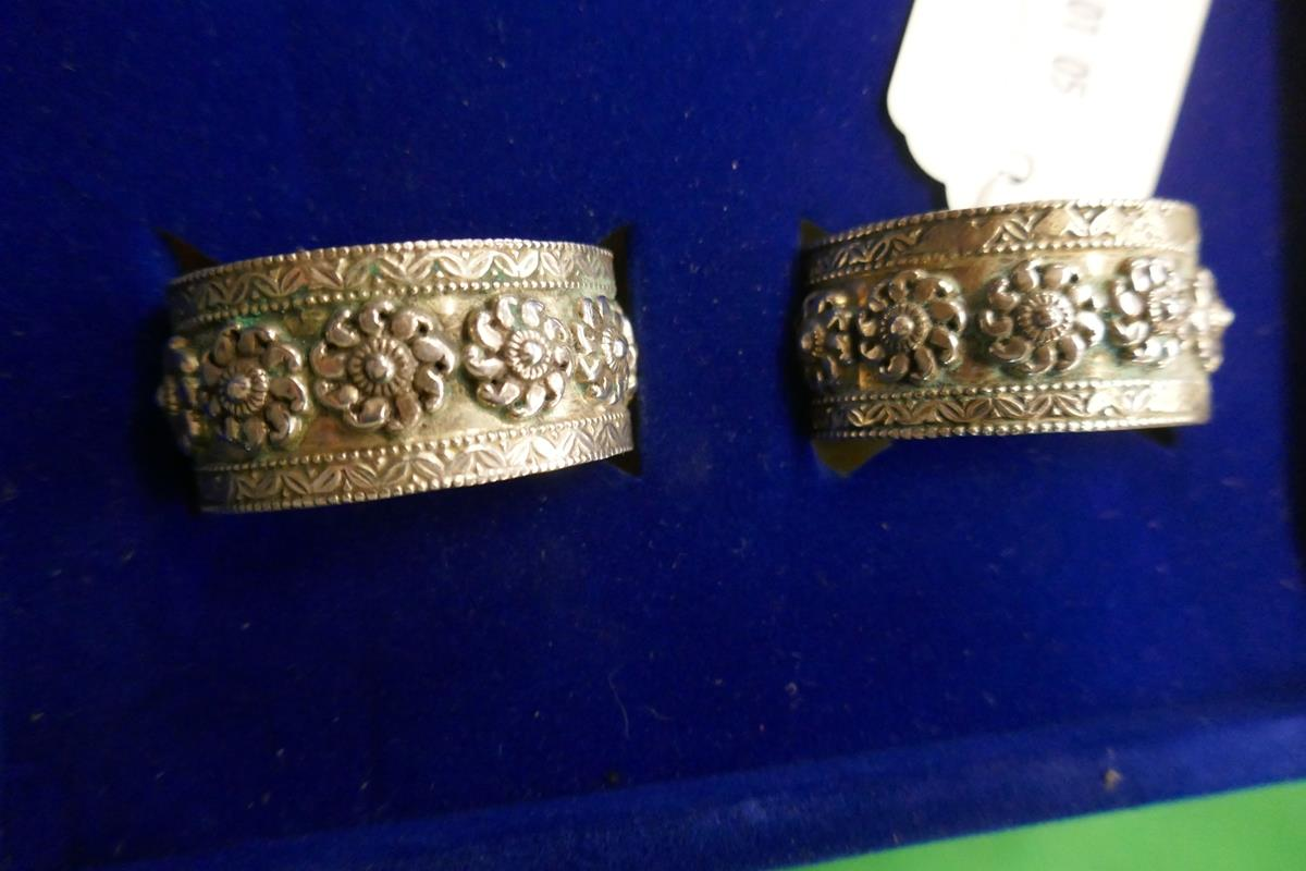 Cased set of 6 silver napkin rings - Image 6 of 7