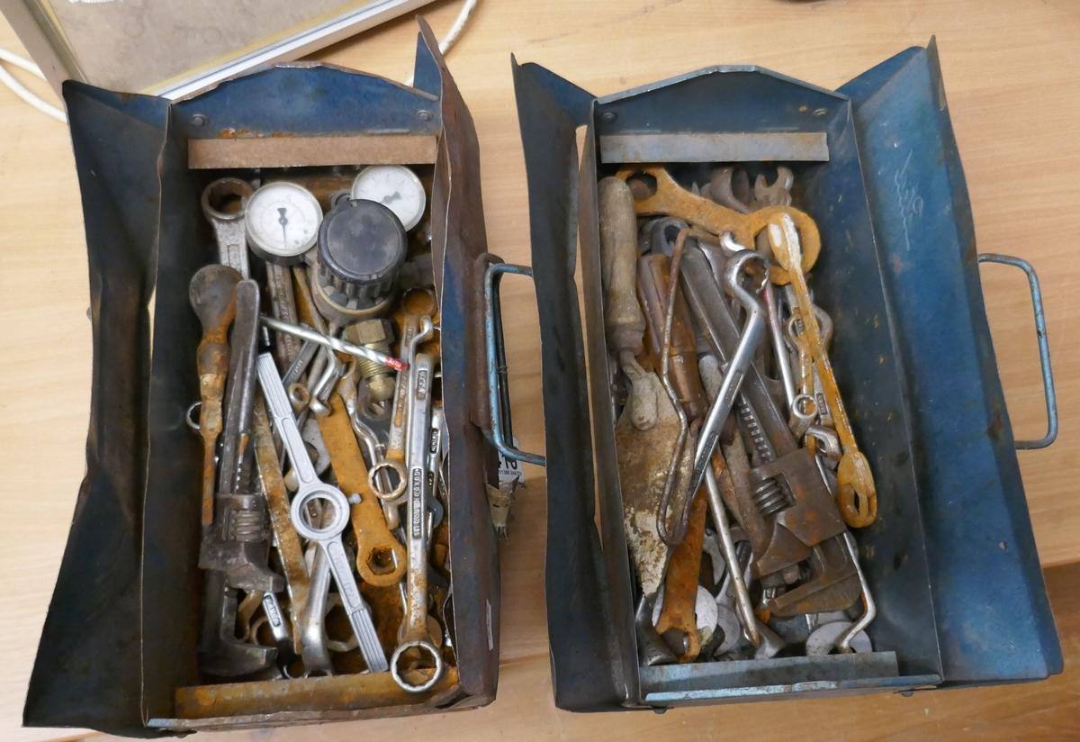 2 tools boxes & contents