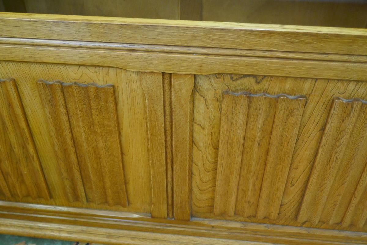 Oak monks bench - Image 5 of 6