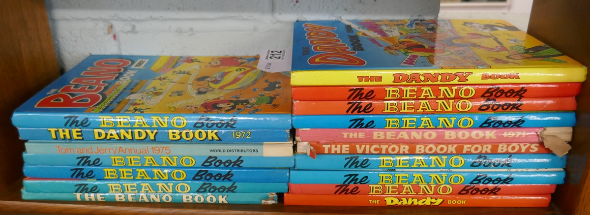 Collection of mostly Beano annuals to include the Dandy and Tom & Jerry etc