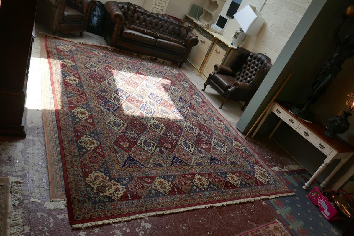 Large Eastern carpet - Image 5 of 13