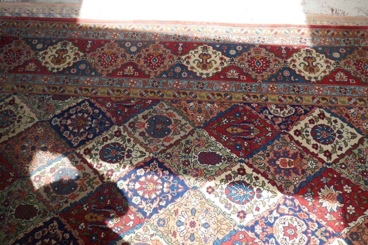 Large Eastern carpet - Image 13 of 13
