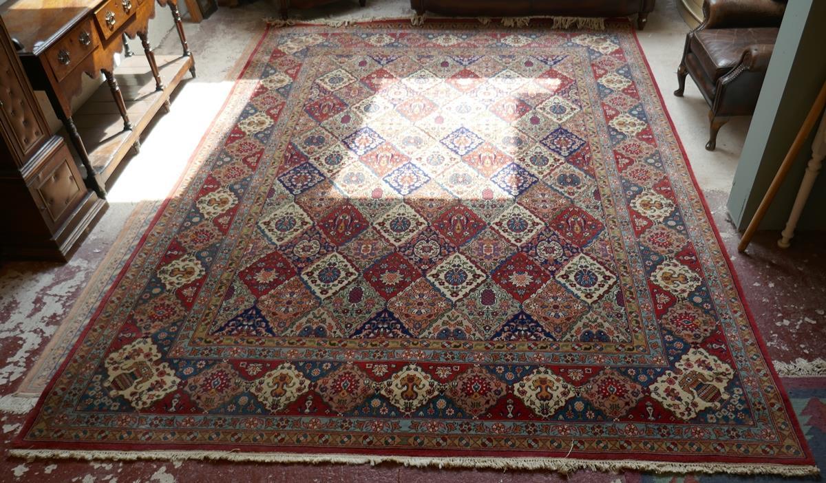 Large Eastern carpet - Image 4 of 13