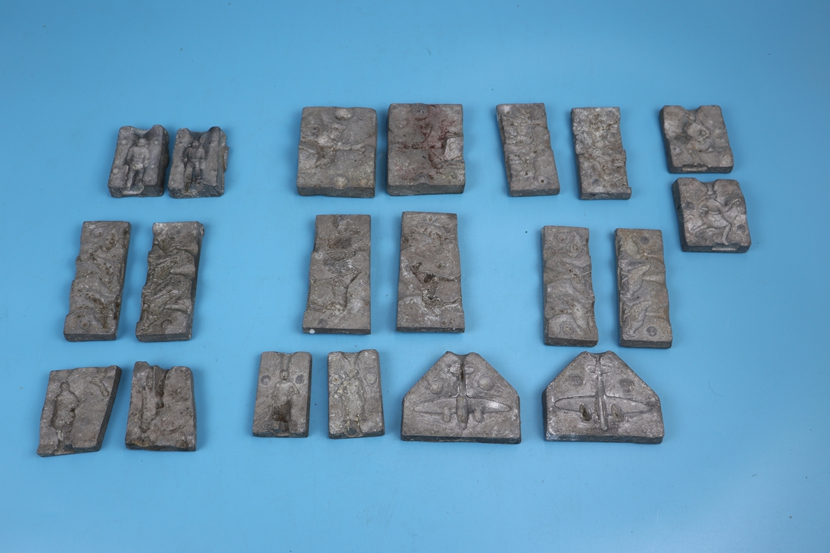 Collection of 10 toy figure moulds to include soldiers