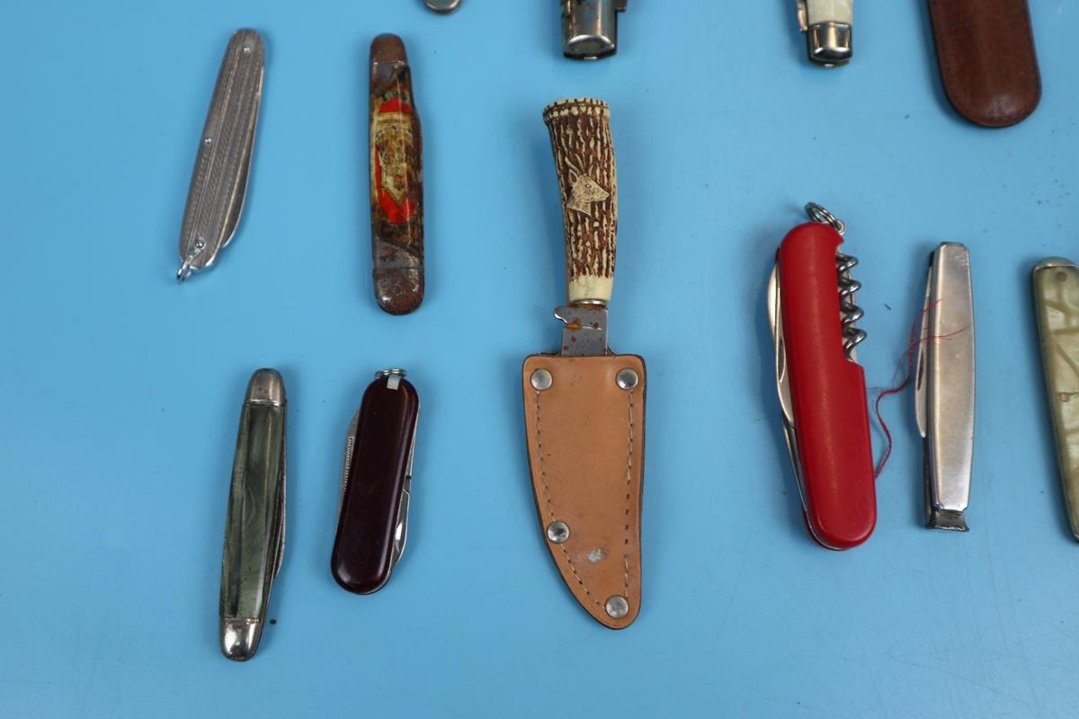Collection of pocket knives - Image 2 of 5