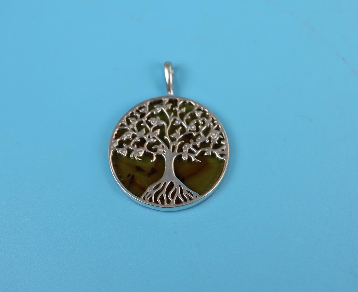 Silver & amber tree of life pendant - Image 2 of 2