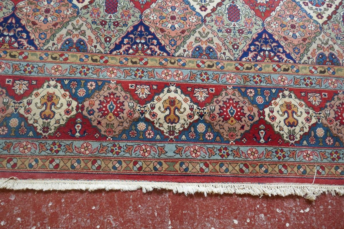 Large Eastern carpet - Image 7 of 13