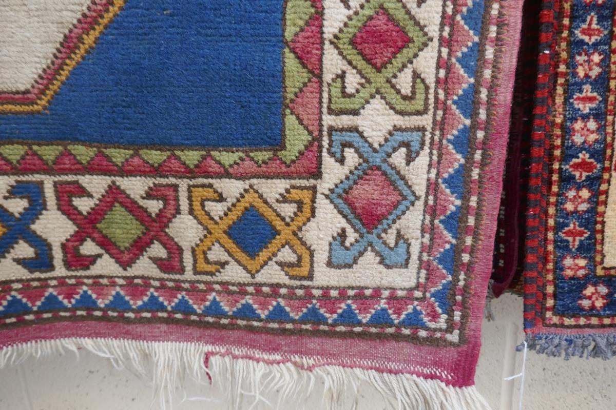 Antique rug - Approx 128cm x 162cm - Image 3 of 4