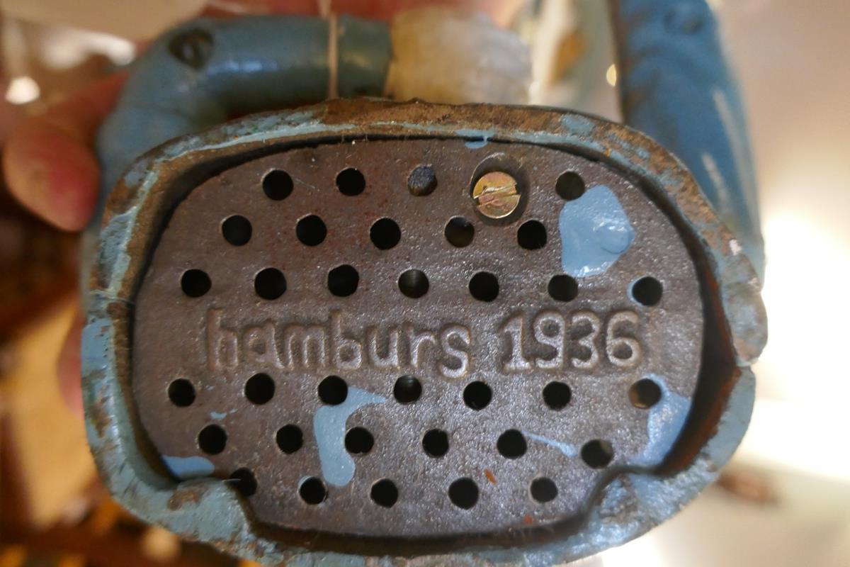 Cast iron novelty Hitler money box - Image 2 of 2