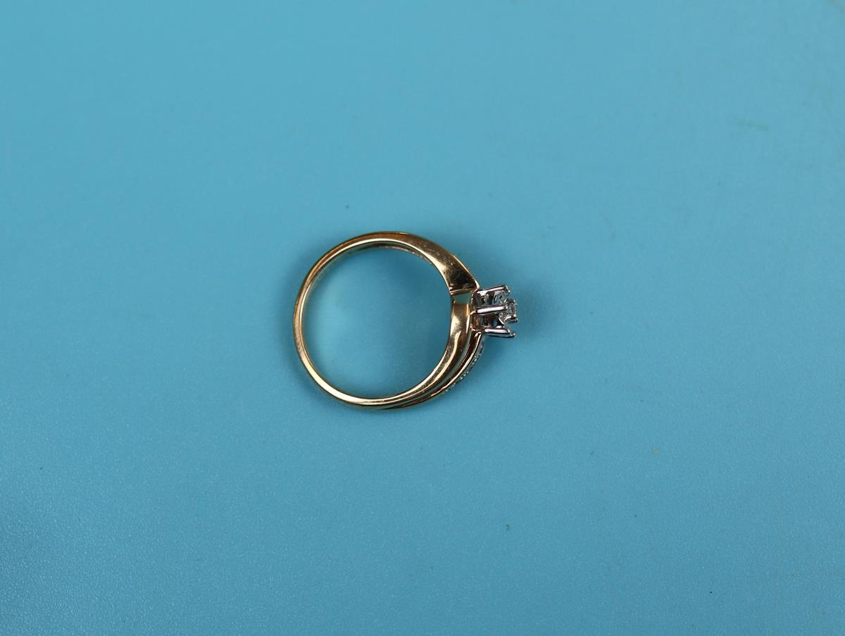 Gold diamond solitaire ring - Image 2 of 2