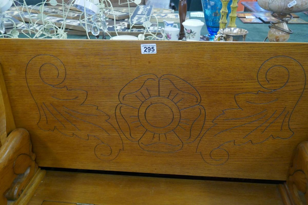 Oak monks bench - Image 3 of 6