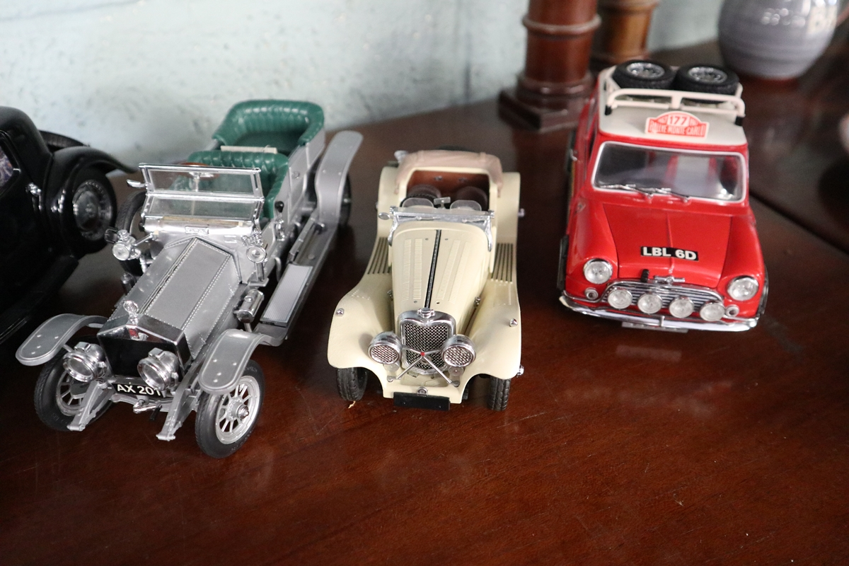 Collection of diecast cars - Image 6 of 6