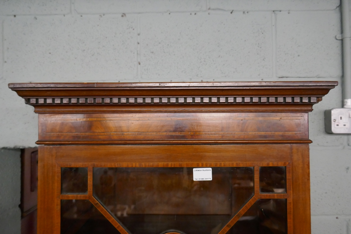 Mahogany inlaid & glazed top cabinet - Image 2 of 6