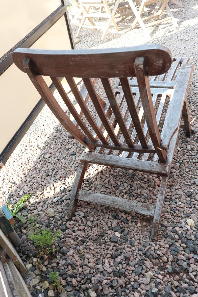 Reclining teak steamer chair with cushion - Image 4 of 6
