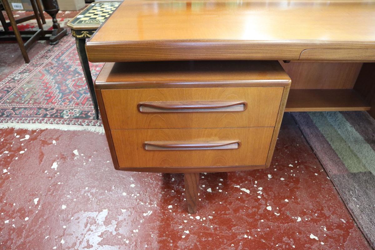 Time warp G-Plan dressing table with original G-Plan label in drawer - Image 5 of 8