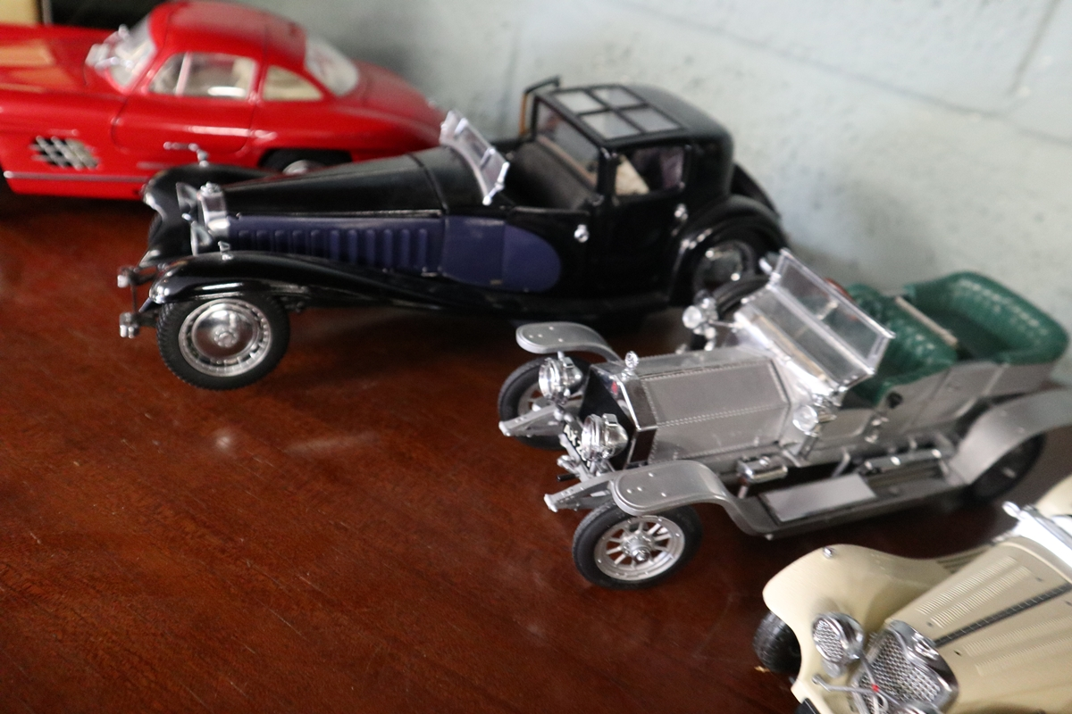 Collection of diecast cars - Image 5 of 6