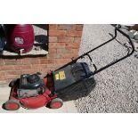 Champion petrol lawn mower - Working