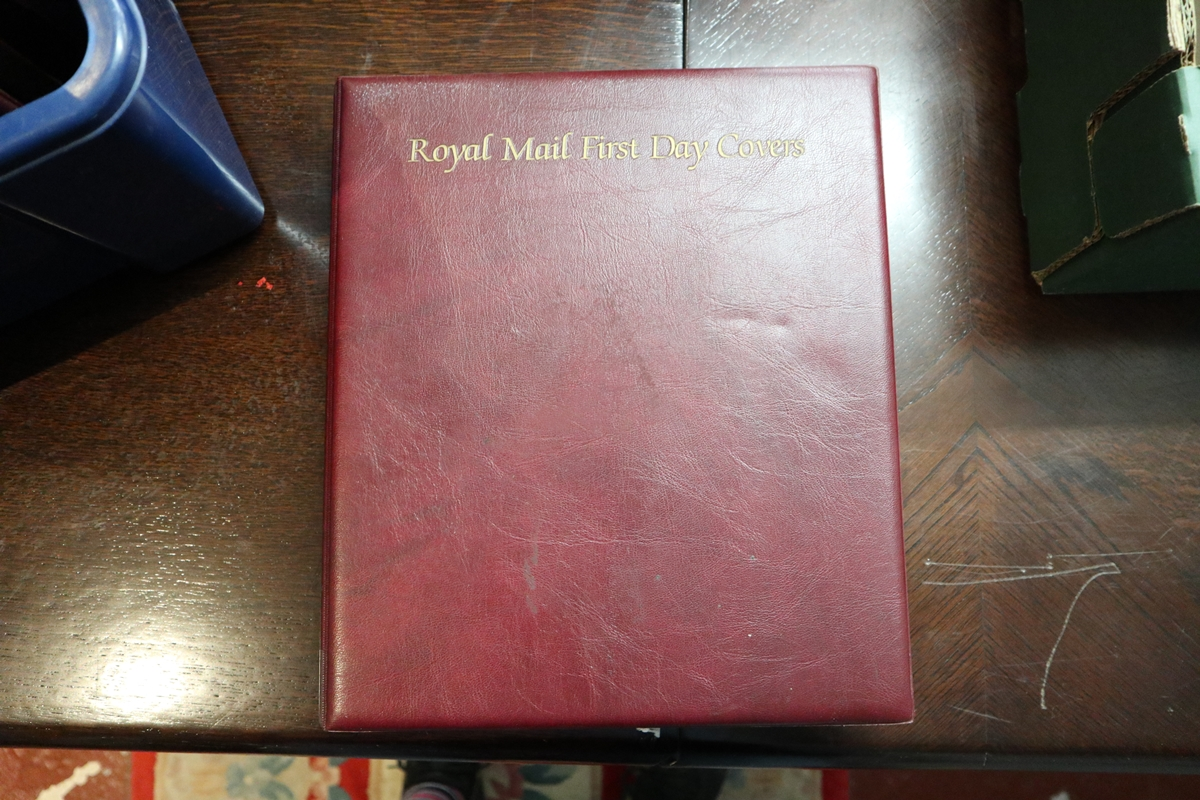 Stamps - Collection of 5 folders / books etc - Image 4 of 16