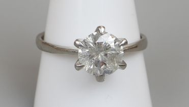 18ct white gold diamond (approx 2.5ct) solitaire ring