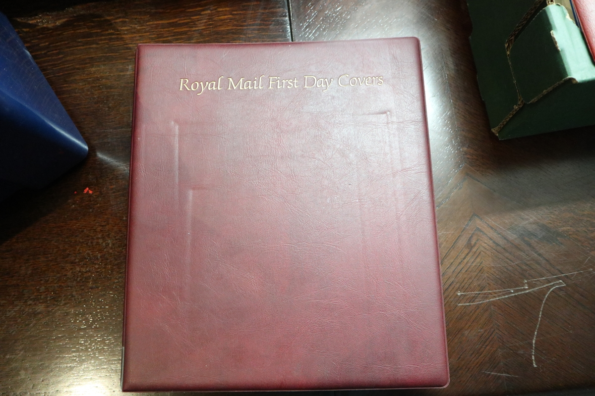 Stamps - Collection of 5 folders / books etc - Image 2 of 16