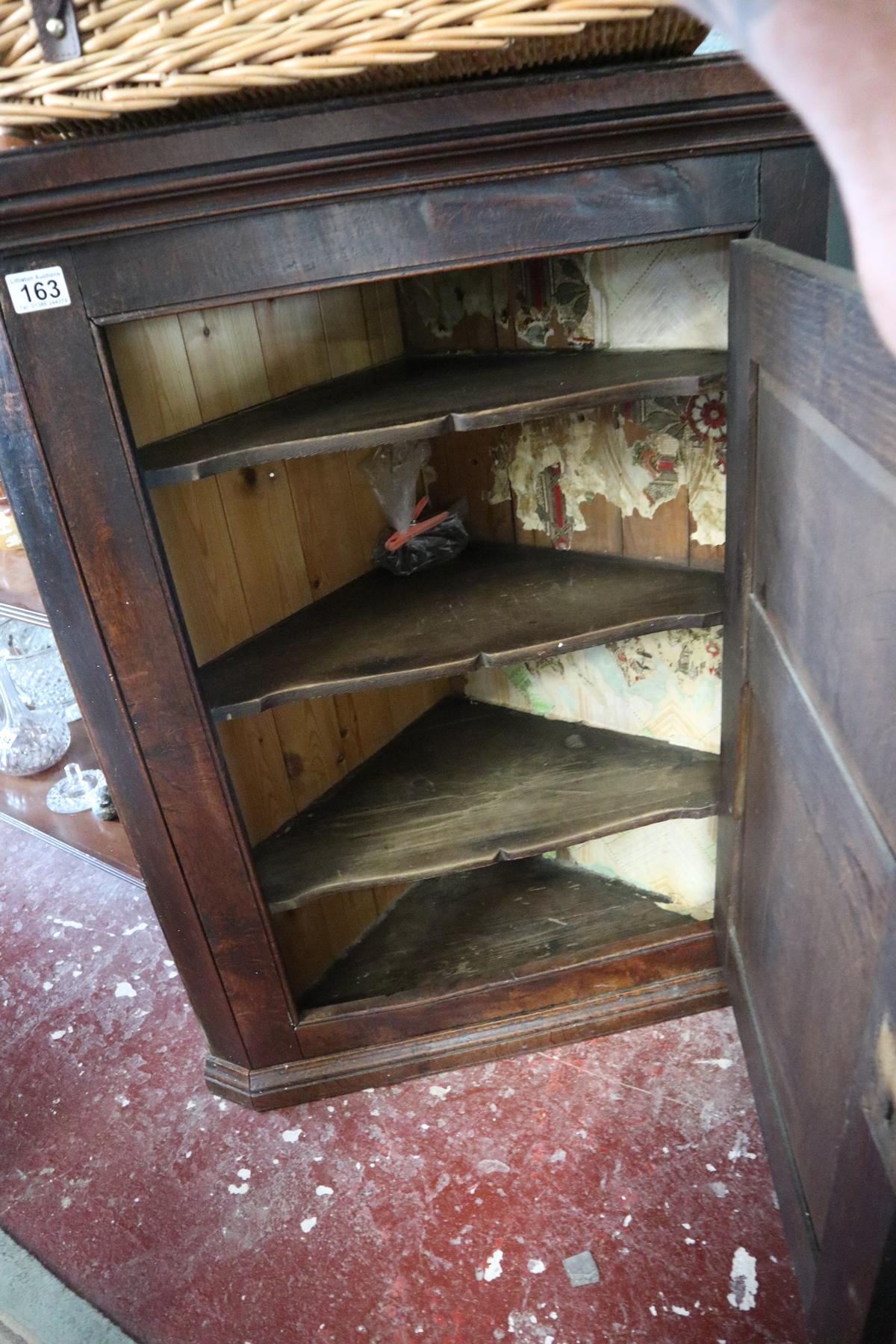 Georgian oak corner cupboard - Image 2 of 2