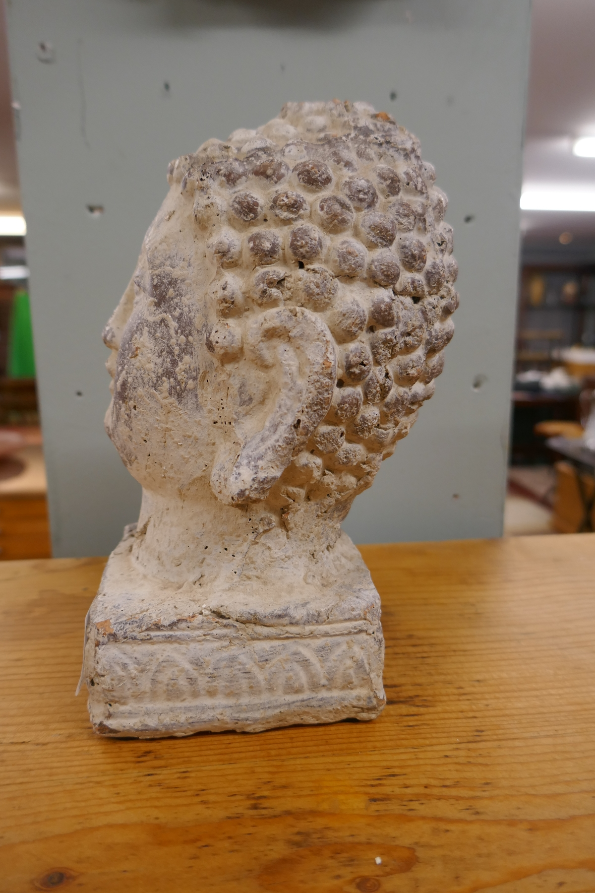 Stone image of Buddha - Approx H: 20cm - Image 2 of 4