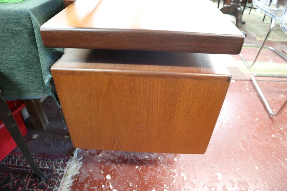 Time warp G-Plan dressing table with original G-Plan label in drawer - Image 4 of 8