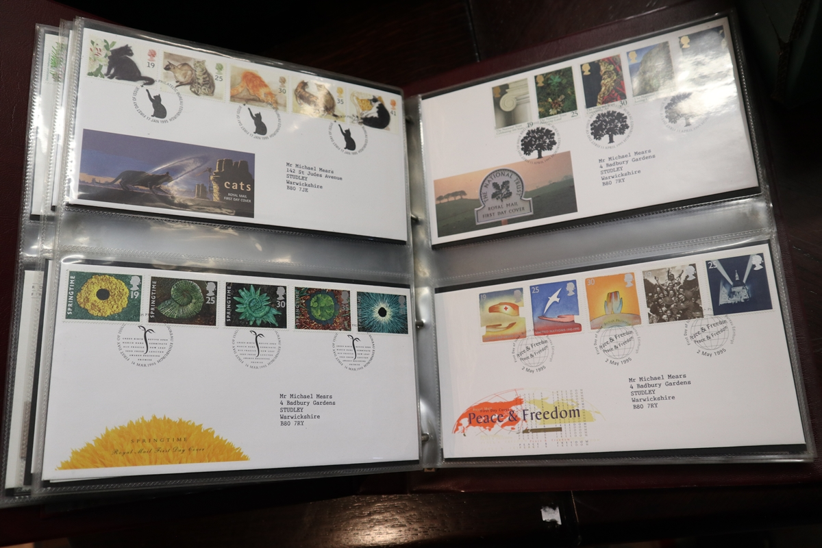 Stamps - Collection of 5 folders / books etc - Image 5 of 16