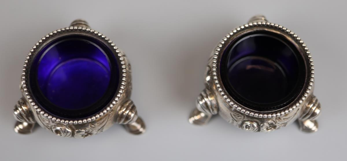 Pair of hallmarked silver salt cellars - London 1866 - Approx 75g without glass liners - Image 2 of 5