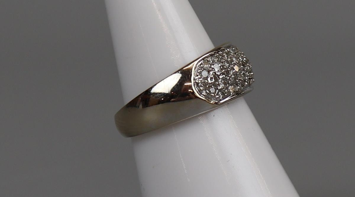 18ct gold diamond set ring - Size M - Image 2 of 3