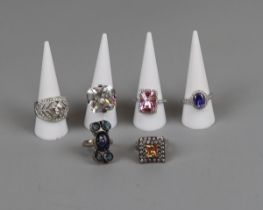 6 costume rings to include silver