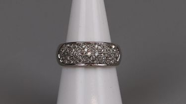 18ct gold diamond set ring - Size M