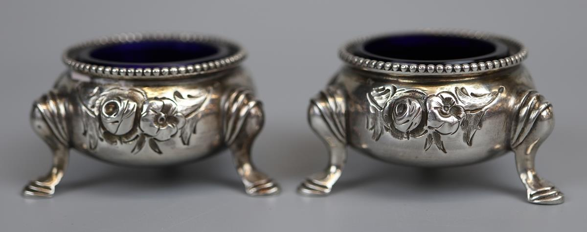 Pair of hallmarked silver salt cellars - London 1866 - Approx 75g without glass liners