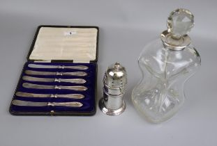Cased set of 6 hallmarked silver handled knives, white metal shaker & hallmarked silver collared